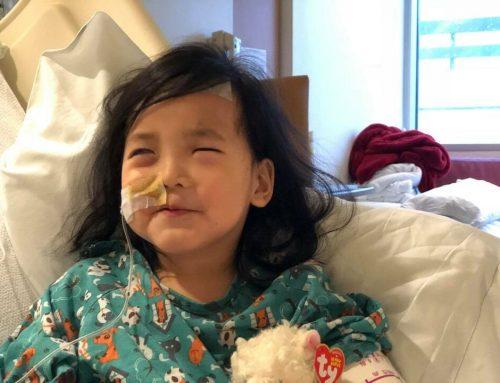 Συγκινεί η 5χρονη με τα «κρυστάλλινα» μάτια: Της τα αφαίρεσαν για να «λυτρωθεί»