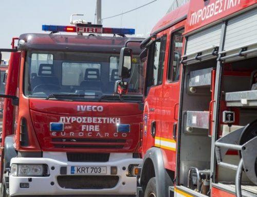 Αυτοκίνητο έπιασε φωτιά στη Μονή Οσίου Παταπίου