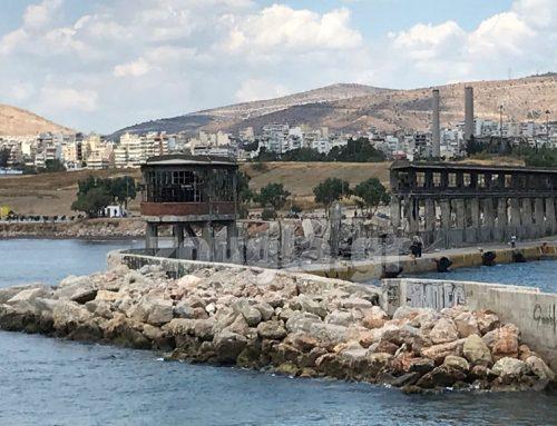 Ζημιές στην είσοδο του λιμανιού του Πειραιά από το σημερινό σεισμό (φωτο)