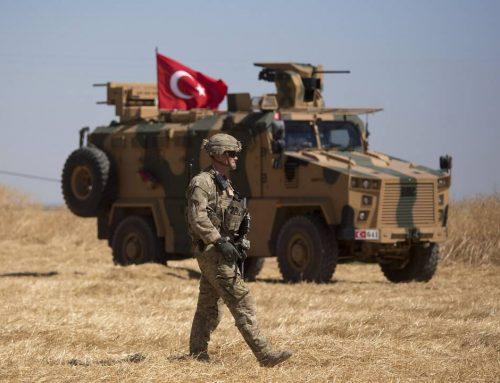 Προ των πυλών τουρκική εισβολή στη Συρία: Αποσύρονται στρατεύματα των ΗΠΑ, προειδοποιούν οι Κούρδοι