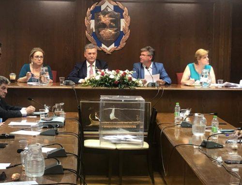 Ένταση στο δημοτικό συμβούλιο Κορίνθου (video)