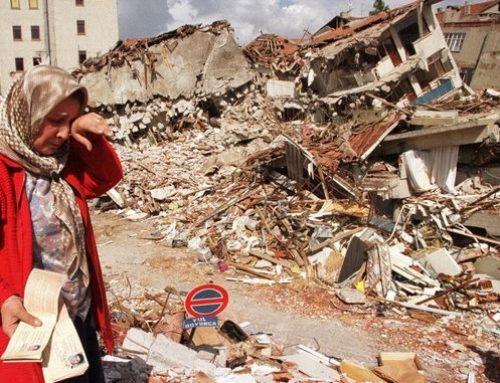 """Σεισμοί στην Τουρκία: Εικόνες φρίκης και χιλιάδες νεκροί από την """"εκδίκηση"""" της φύσης"""
