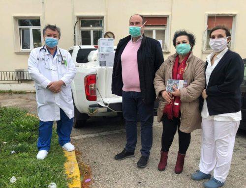 Υγειονομικό υλικό παρέδωσε ο Αντιπεριφερειάρχης Τάσος Γκιολής στο Νοσοκομείο