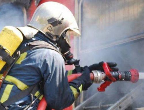 Αυτοκίνητο έπιασε φωτιά στην Εθνική στον Ασπρόπυργο