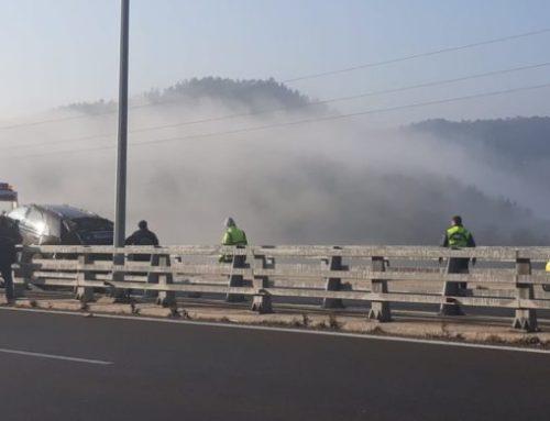 Σφοδρή σύγκρουση τριών φορτηγών στην Ε.Ο Αθηνών- Κορίνθου.. Δύο οδηγοί σοβαρά τραυματισμένοι
