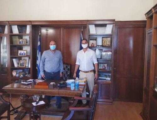 Παράδοση κιτ προστασίας σε σωματείο ταξί για την Περιφερειακή Ενότητα Κορινθίας