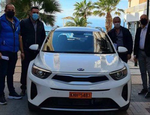 Καινούργιο αυτοκίνητο για τις ανάγκες του Δήμου παρέλαβε ο Δήμαρχος Γ. Γκιώνης