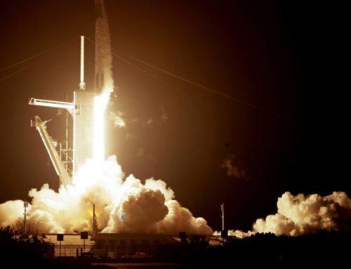 Space X και NASA έγραψαν ιστορία: Τέσσερις αστροναύτες εκτοξεύτηκαν στο διάστημα