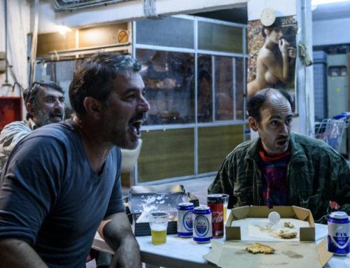 Η παράσταση «Άνθρωποι και ποντίκια» του Βασίλη Μπισμπίκη γίνεται ταινία