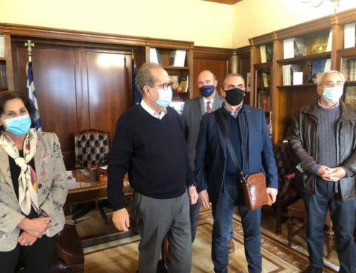 Ενημέρωση του περιφερειάρχη για την ανοιχτή δομή φιλοξενίας της Κορίνθου