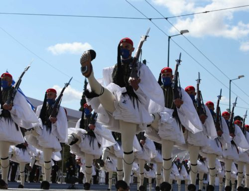 Παρέλαση 25ης Μαρτίου: Δέος και συγκίνηση (φωτο, video)