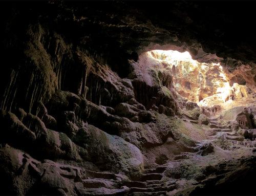 Το μοναδικό σπήλαιο στην Ελλάδα που έχει στο εσωτερικό του σκαλιστά αγάλματα
