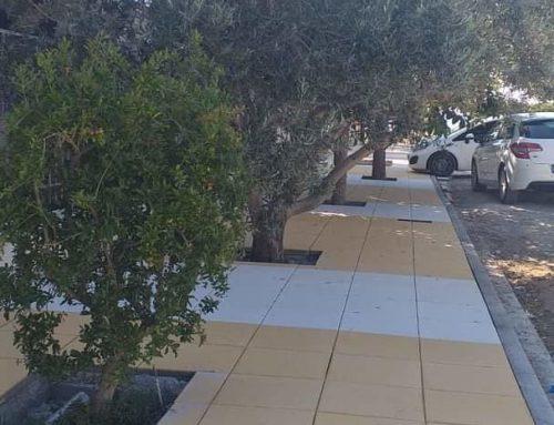 Κατασκευάζονται πεζοδρόμια στα Ισθμια (φωτό)