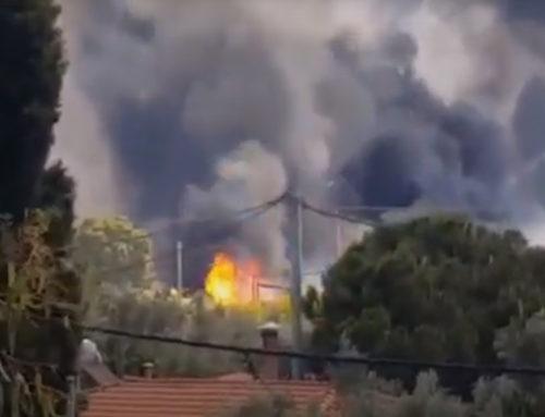 Ασπρόπυργος: Η στιγμή των εκρήξεων από την πυρκαγιά στο βυτιοφόρο (βίντεο)