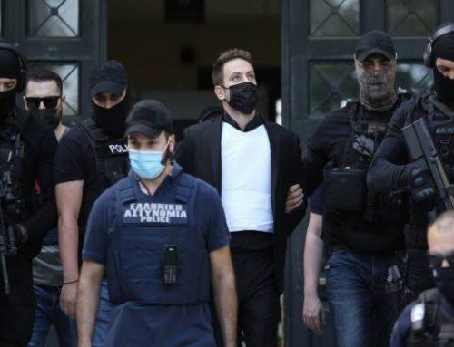 Σε γυναικεία πτέρυγα στη ΓΑΔΑ κρατείται ο Μπάμπης Αναγνωστόπουλος. Ευδιάθετος και ήρεμος