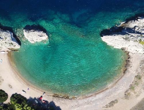3+1 παραλίες στο Λουτράκι σε απόσταση αναπνοής από την Αθήνα
