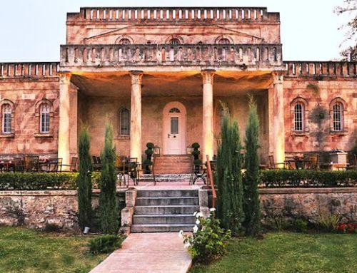Η βίλα που έζησε ο Άγγελος Σικελιανός στο Ξυλόκαστρο είναι ένα μικρό παλάτι